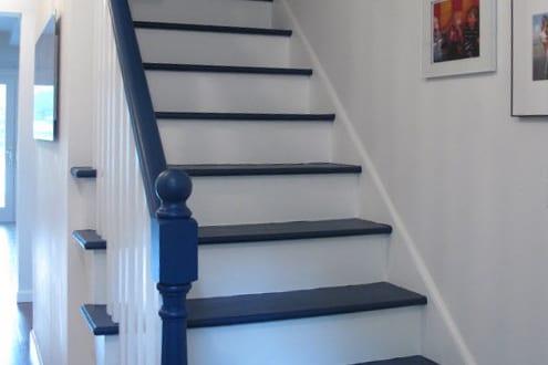 Geländer Streichen In Weiß Und Blau   FresHouse