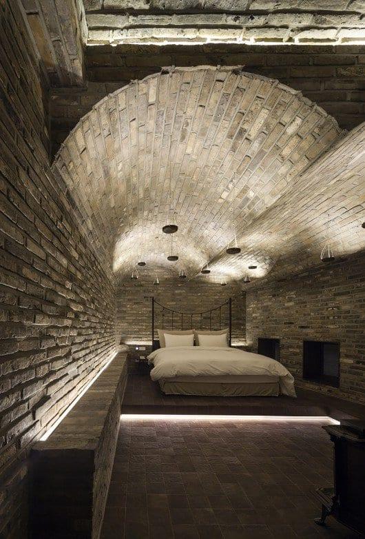 luxus schlafzimmer inspiration für schlafzimmer naturstein mit pendelleuchten und bodenbeleuchtung