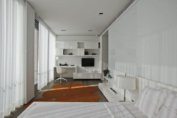 moderne gardinen schlafzimmer und moderne teppiche in orange für luxus schlafzimmer interieur mit wandregal und schreibtisch