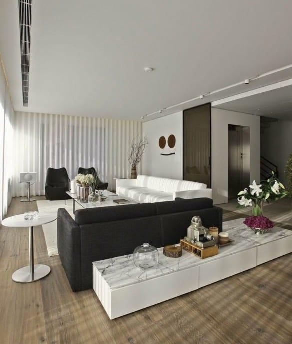 wohnzimmer inspirationen mit sofas weiß und schwarz und sideboard dekorieren