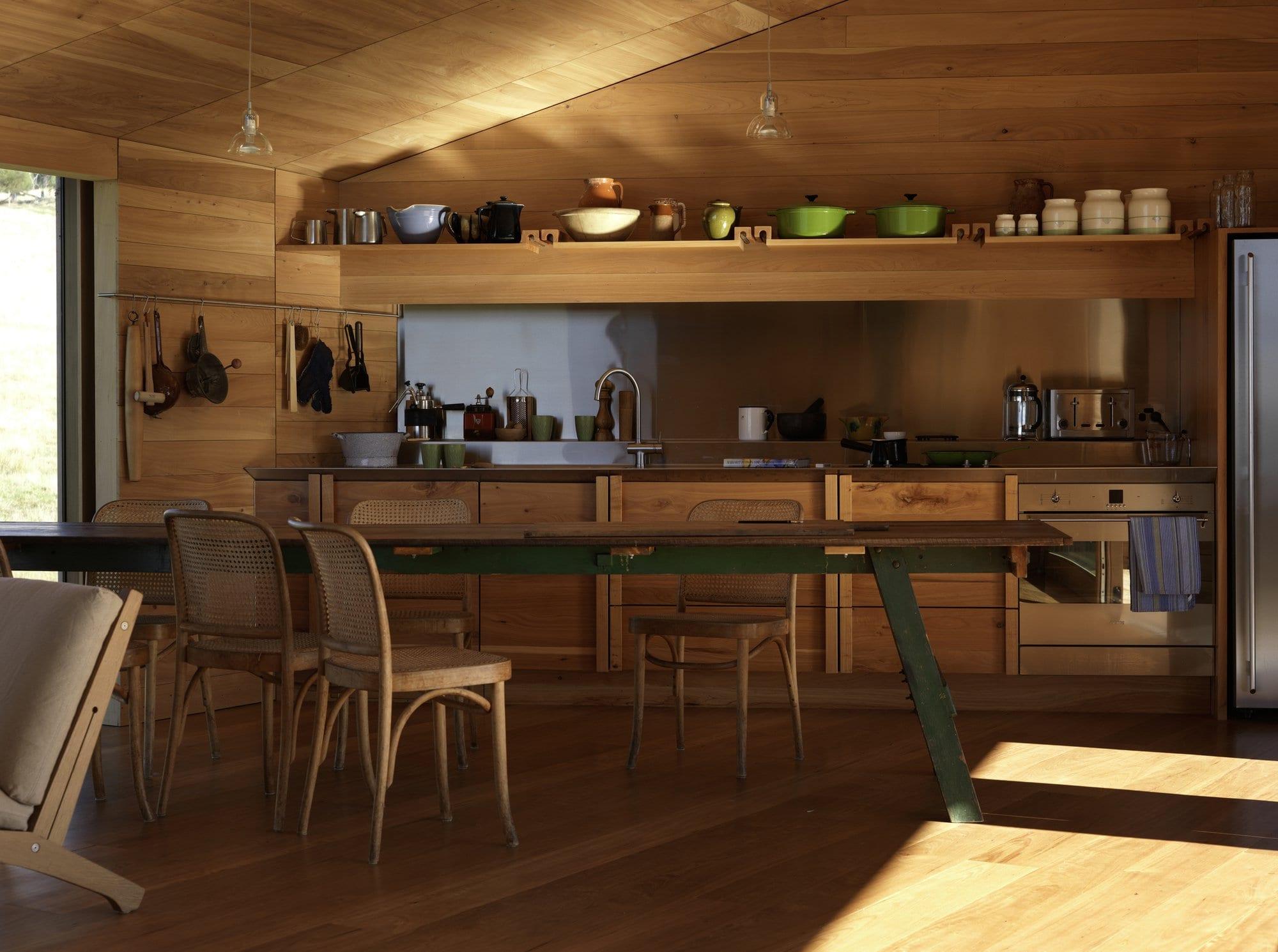 moderne küche holz mit pendellampen und Esstisch holz