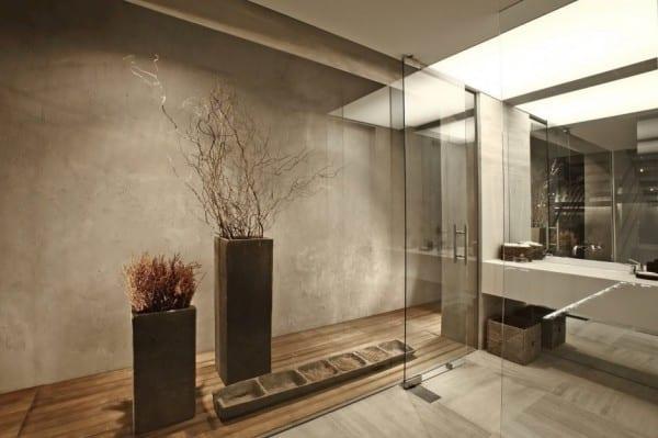 graue wandfarbe und coole raumgestaltung mit rechteckigen vasen für spektakuläres interior design
