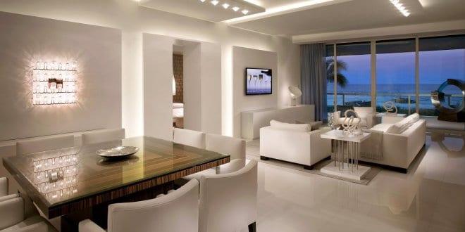 moderne wohnzimmer weiß mit kaltem licht gestalten via, Moderne deko