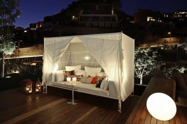 Holzterrasse mit eichenholzboden und nachtbeleuchtung idee für den garten