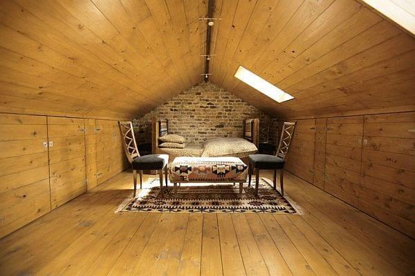 schlafzimmer ideen für moderne einrichtung  mit teppich und Holzmöbeln