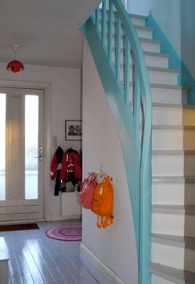 idee für farbgestaltung treppenraum