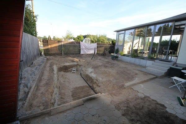 ein schwimmteich selber bauen als idee für traumgarten gestaltung mit wasser