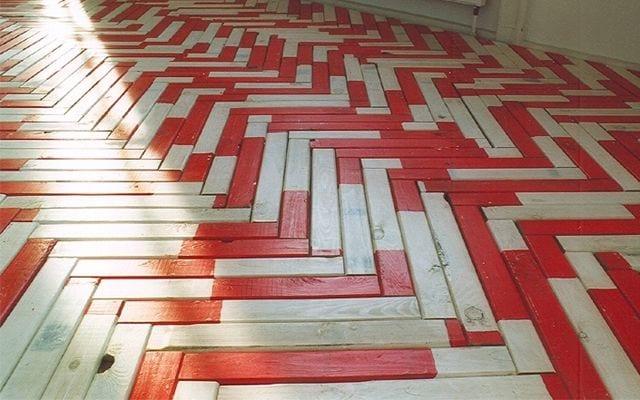 Holzfußboden Streichen ~ Kreative streichen ideen für holzbodenbelag freshouse