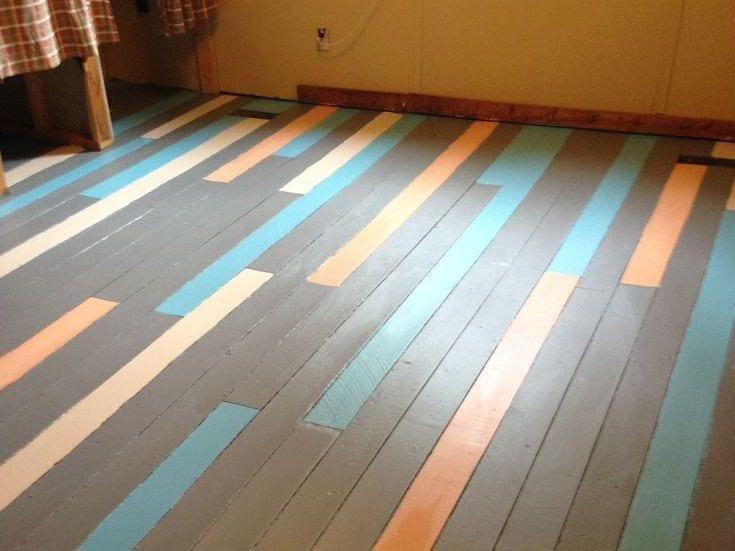 vintage interior und farbiges holzbodenbelag streichen idee in grau und blau