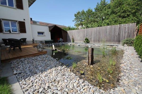 fantastische idee für gartengestaltung mit DIY Teiche und wassergarten mit Streinen und Holzterrasse