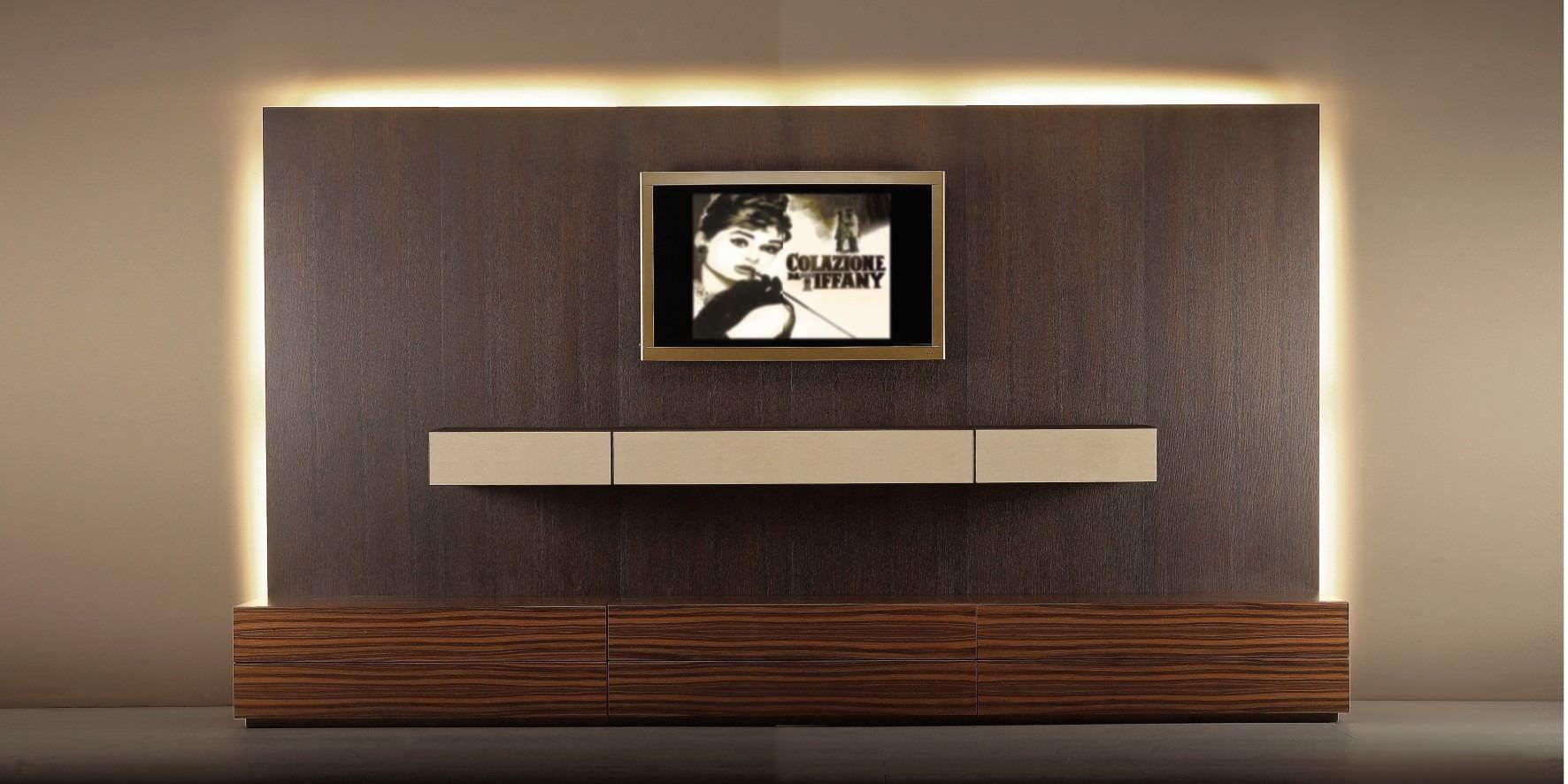 moderne und minimalistische einrichtung mit wohwand und tv wandpaneelen aus holz