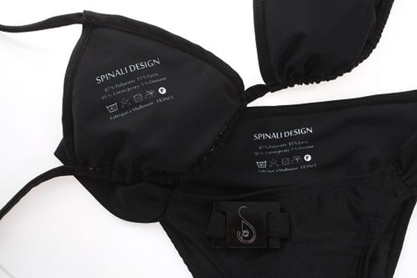 schwarze bikinis mit UV Sensor schutzen vor sonnenbrand