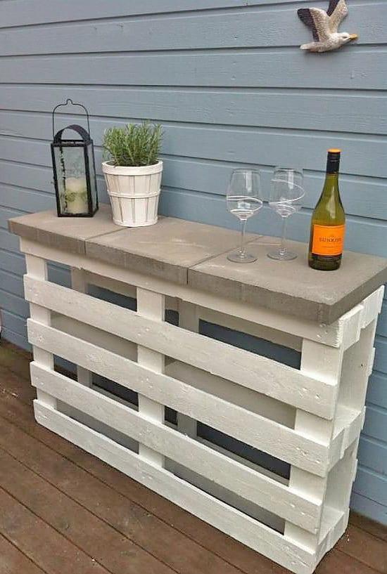 DIY Palettenbar und Sideboard für den Garten