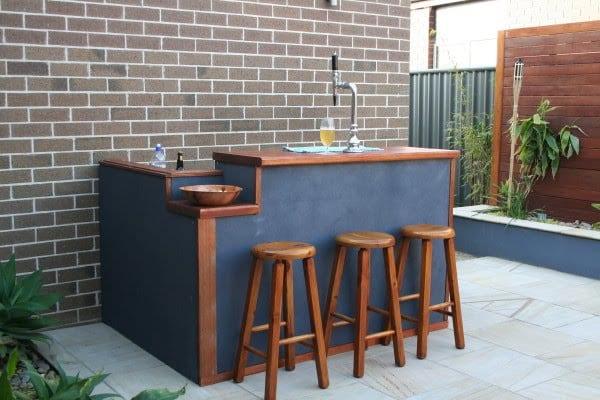 garten Bar auf die terrasse selber bauen und in dunkelblau streichen
