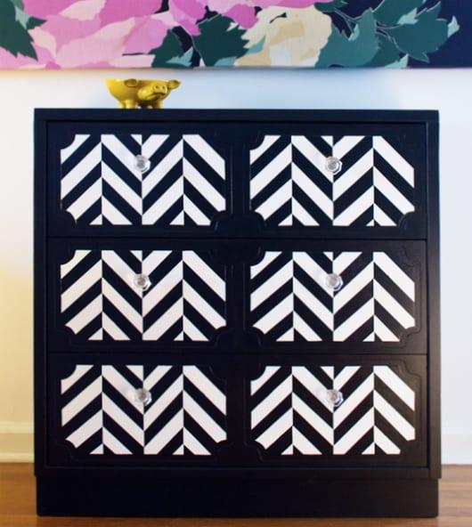 schwarz-weiße streichen idee für holzmöbel und sideboards
