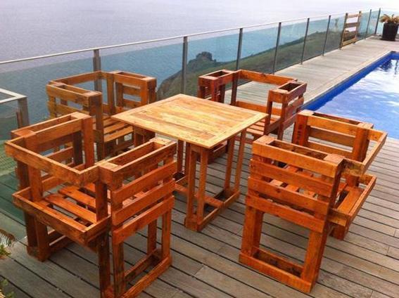 Esstisch mit Stühlen selber bauen aus paletten