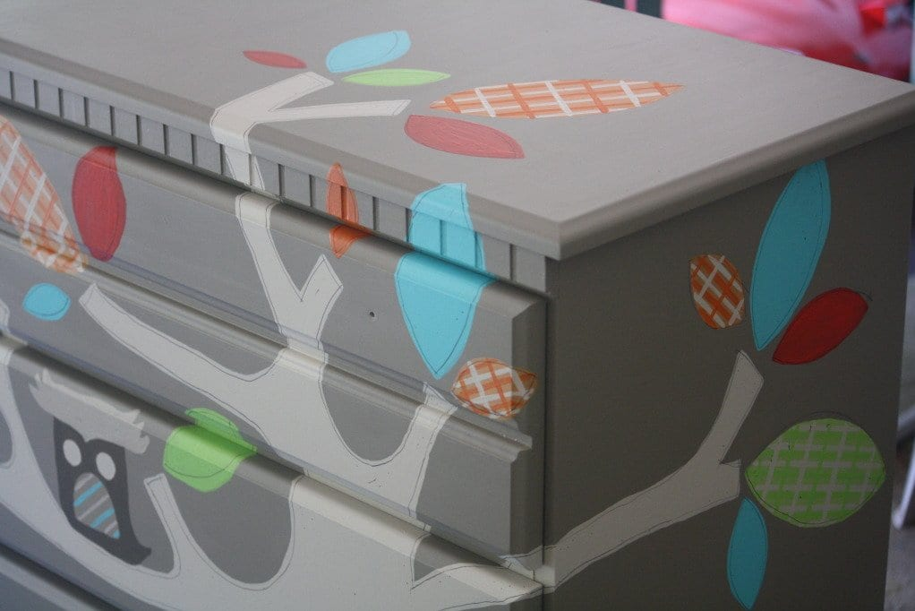 Kinderzimmer kreativ gestalte und alte holzmöbel streichen in grau