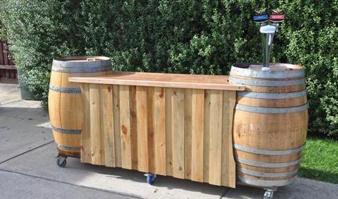 Garten-Bar auf Rollen selber bauen