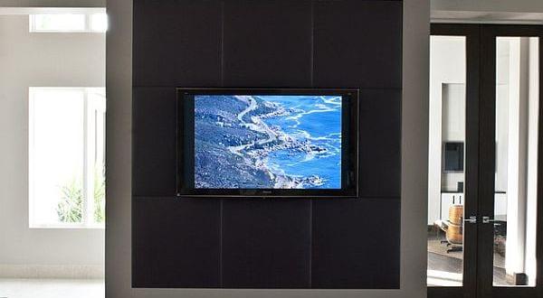 luxus tv wandpaneel design von richlin interiors freshouse. Black Bedroom Furniture Sets. Home Design Ideas