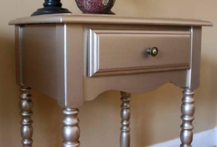alte möbel in silber streichen