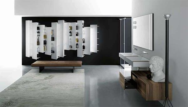 moderne badezimmer interior mit poliertem betonboden und schwarze wand mit weißen badezimmerregalen