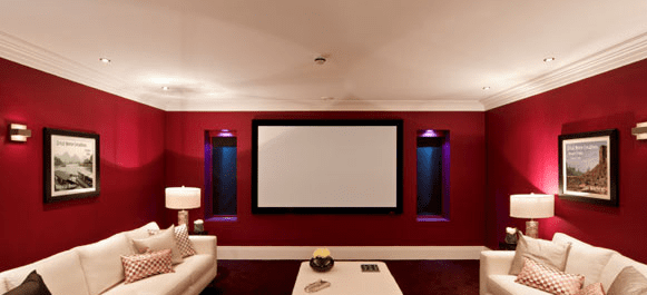 wandfarbe rot als wohnidee für moderne wohnzimmer mit weißen sofas im keller