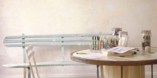 runde holztisch wei aus kabelrolle freshouse. Black Bedroom Furniture Sets. Home Design Ideas