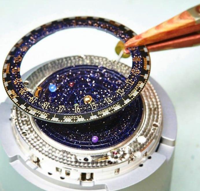 zifferblatt mit dem solarsystem und bewegenden Planeten für männer Armbanduhr