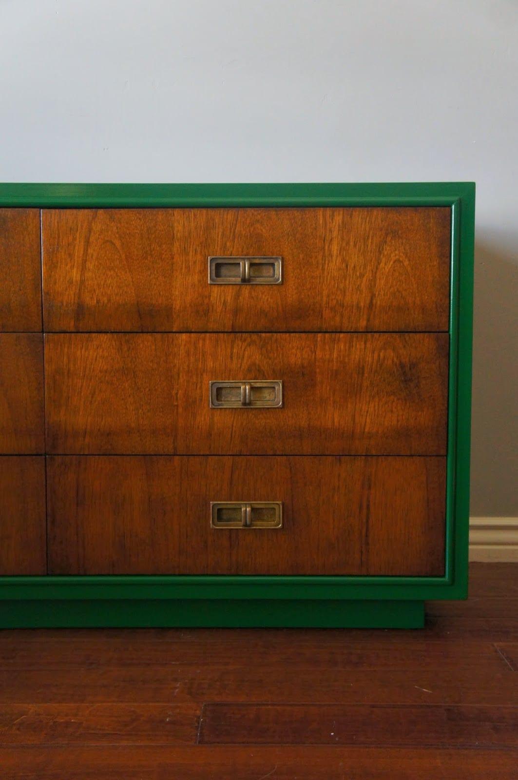 sideboard antik in grün streichen als idee für alte möbeln neu gestalten