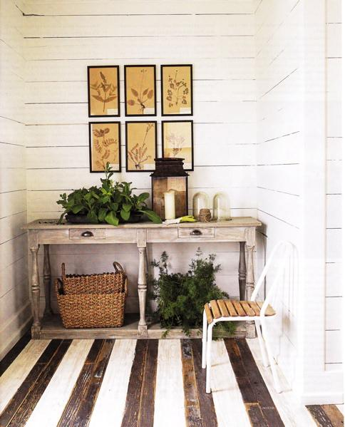 sideboard rustikal dekorieren und boden streichen in streifen muster