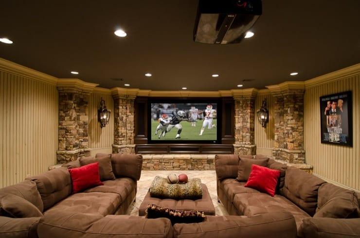 kreative wohnidee für den keller mit Polstersofa braun und TV Wandpaneel und Deckengestaltung in grau