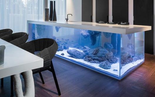 moderne Aquarium-Kochinsel für luxuriöse Küche