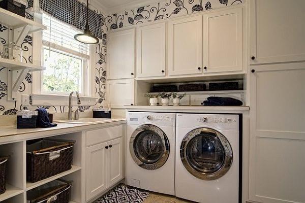 interessante einrichtung und wandgestaltung mit tapete für weiße waschküche