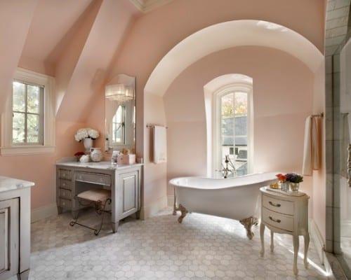 moderne badezimmer mit grauen bodenfliesen und rustikalen badezimmermöbel grau