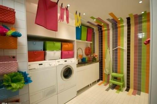 interessante waschküche-einrichtungsidee und gestaltung mit farbigen badezimmerfliesen