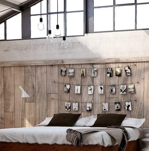 moderne schlafzimmer ideen für coole dekoration und gestaltung mit Holzwandpaneel und modernen pendellampen und stehlampe weiß_licht idee schlafzimmer mit dachschräge