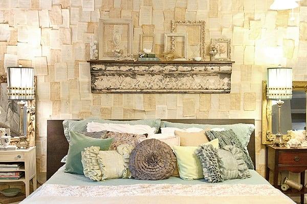 kreative Schlafzimmer deko ideen für DIY Wanddeko und elegante bett dekoration in blau