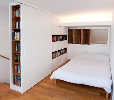 coole idee f r kleine schlafzimmer mit indirekter beleuchtung und schiebet r wei freshouse. Black Bedroom Furniture Sets. Home Design Ideas