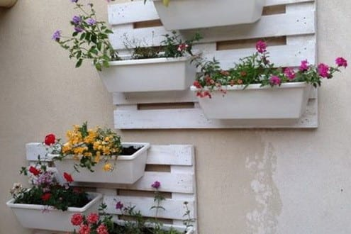 Coole wandgestaltung mit diy wandregalen aus paletten for Wandgestaltung diy
