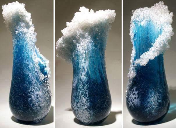 glas vasen und skulpturen mit meeresthematik
