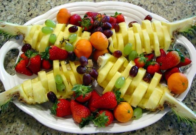 DIY essen-dekoration aus früchten als coole Party-Essen-Idee