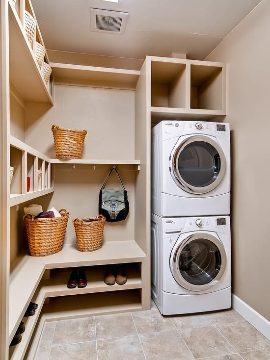 interessante waschküche-einrichtungsidee mit eckschrank und schuhschrank zum platzsparen