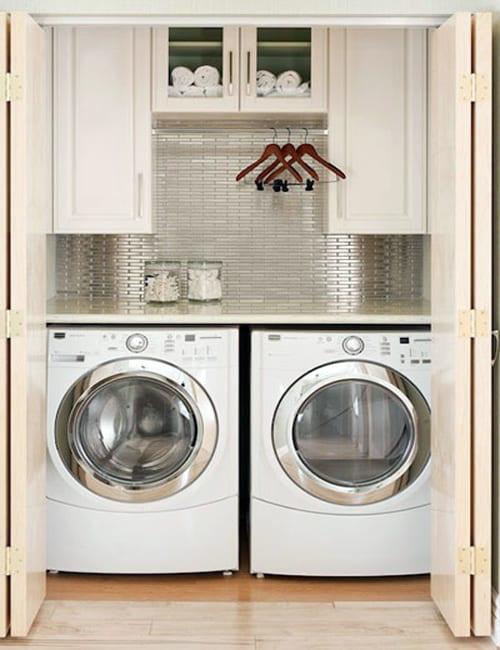 interessante waschküche idee mit inox-wandverkleidung für kleine waschküche in wandnische