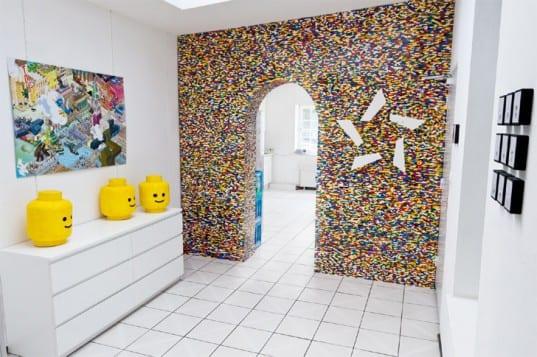 kreative wohnidee und raumgestaltung mit Trennwand aus LEGO teilen