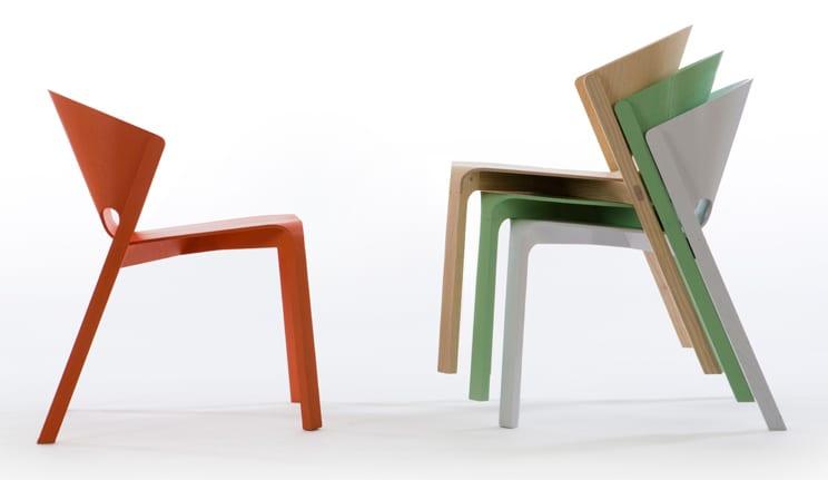 farbige holzstühle für moderne farbgestaltung esszimmer mit esszimmerstühlen in grün und rot