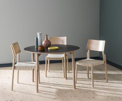 markantes design von Holzstühlen fürs Esszimmer_Stackable Chair