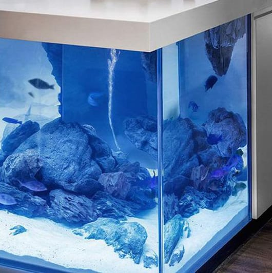 moderne aquarium kochinsel f r luxuri se k che freshouse. Black Bedroom Furniture Sets. Home Design Ideas
