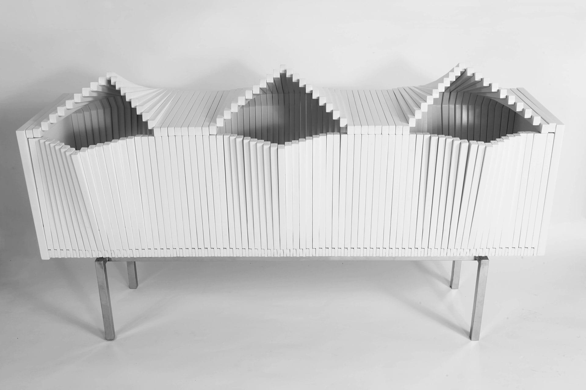 moderne schrankmöbel aus birkenholz in weiß für minimalistische wohnzimmer