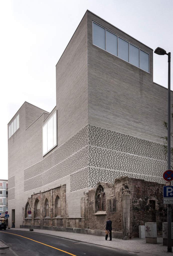 bauen mit ziegeln als inspiration für moderne architektur und kreative lochfassade