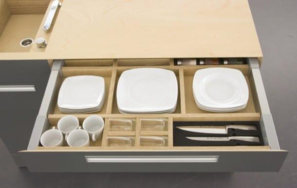 nutzen sie schubladen zum spare von platz in der küche_kreative platzsparende ideen für kleine küchen